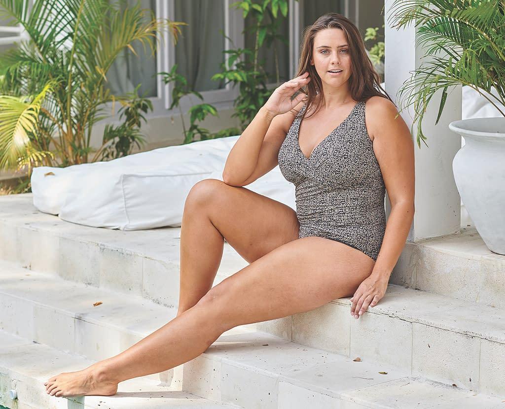 Artesands swimwear for curvy women in Ottawa